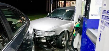 Dronken automobilist ramt tankstation en auto van tankende vrouw in Gilze