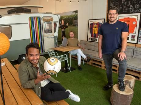 Urker bedrijf heeft de oplossing voor beperkte stadionplekken: Zo wordt de voetbalpijn verdeeld