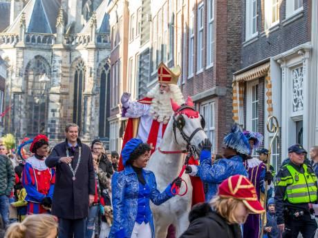 Sinterklaas zet voet aan wal in Dordrecht
