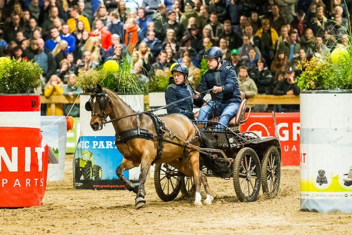 Marcel van de Kamp met de eenspan pony, vorig jaar winnaar van Menindoor Nijkerk.