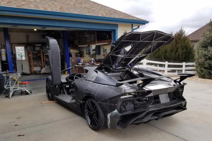 De nagemaakte Lamborghini Aventador