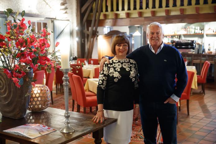 Maité en George Muns in hun restaurant.
