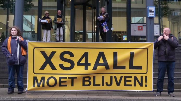 Actievoerders van het comité XS4All moet blijven