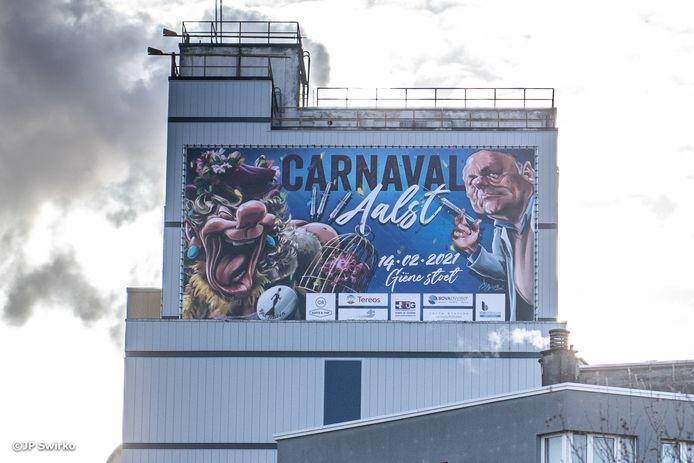 De carnavalsaffiche aan de Tereos-toren in Aalst was maar een kort leven beschoren.