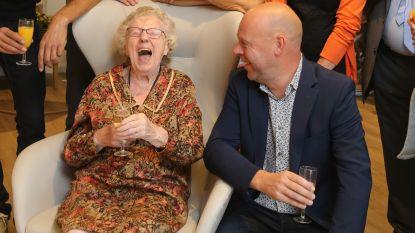 """""""Hoe ik 104 werd? Elke dag een glas rode wijn. Een goeie Franse"""""""