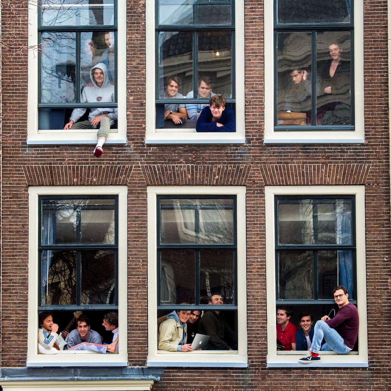 In studentenhuis Hopital Wallon wonen 36 studenten die zichzelf min of meer in quarantaine hebben gezet. Beeld Arie Kievit