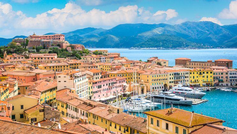 Portoferraio is de grootste stad op Elba en telt ongeveer 12.000 inwoners.