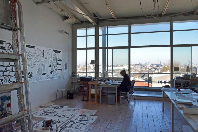 Kunstenaars wonen en werken in gebouwen-complex Tetterode. Beeld Dominique Panhuysen