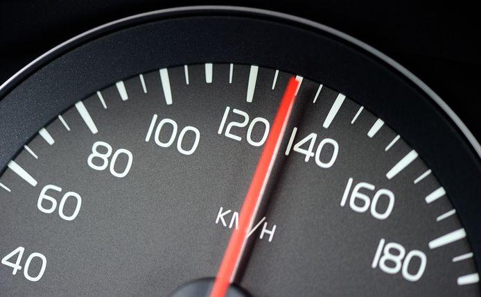 1014 overtredingen in vijf uur tijd op de N253 bij Schoondijke.