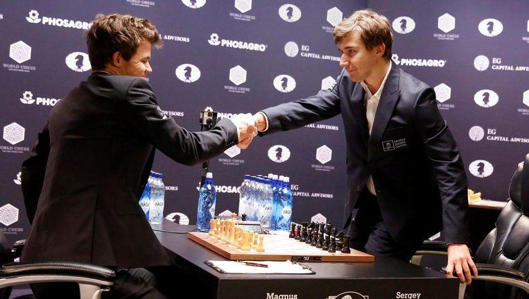 Magnus Carlsen en Sergey Karjakin Beeld reuters