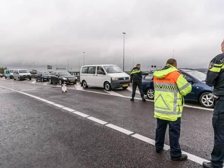 15 bestuurders op de bon na negeren rood kruis na ongeval knooppunt Princeville
