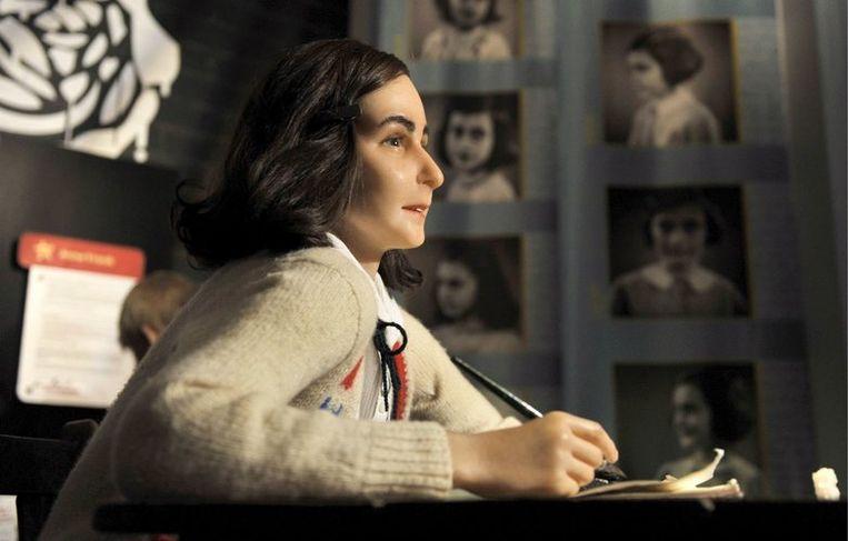 Anne Frank in Madame Tussauds in Berlijn. Foto EPA/Rainer Jensen Beeld