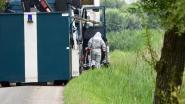 Brugs parket opent onderzoek naar vondst verdachte vaten in midden van doodlopende straat, alles wijst in richting van drugsmilieu