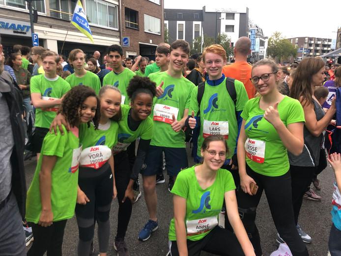 Leerlingen van het Strabrecht College uit Geldrop voor de  City Run 5km van Marathon Eindhoven