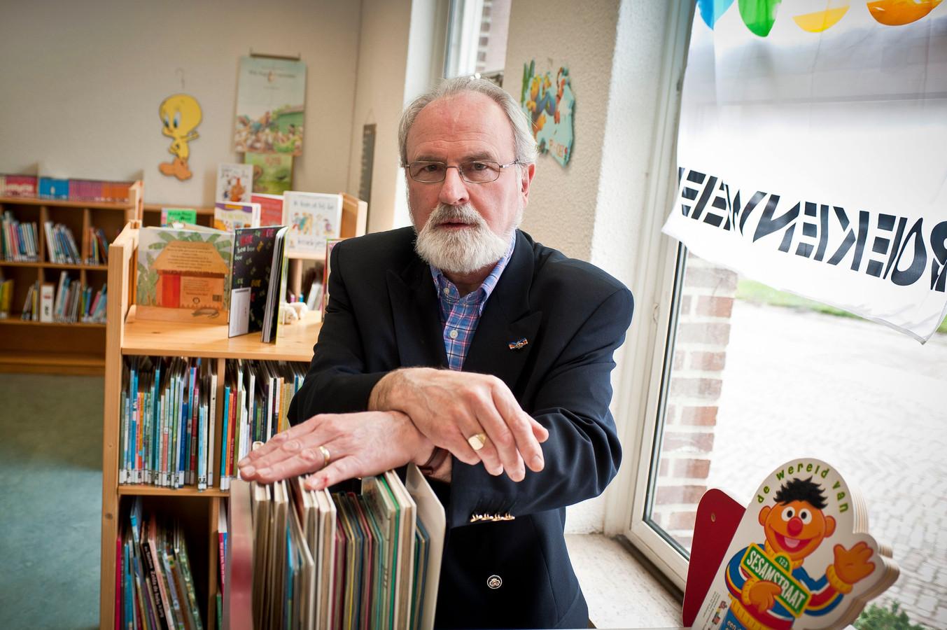 Adri Damen is blij dat de Huijbergse bibliotheek na acht jaar zoeken een nieuw onderkomen krijgt.