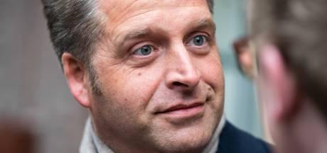 Minister Hugo de Jonge bemoeit zich met patiënt die al 100 dagen in het ziekenhuis ligt
