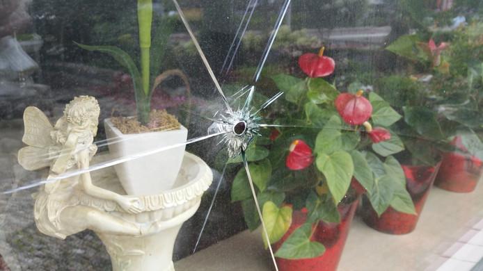 De bewoner belde direct de politie toen hij het gat ontdekte.
