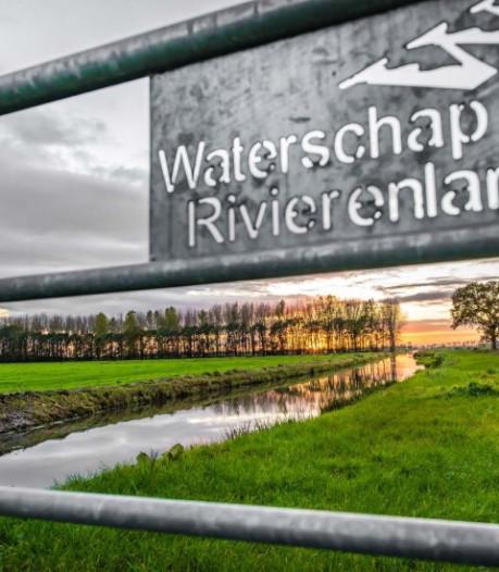 Waterschap Rivierenland wil af van polderwegen, maar wie biedt?
