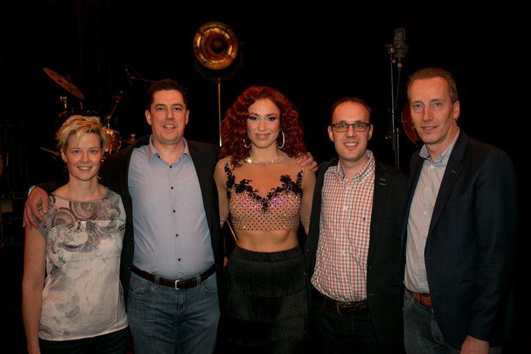 Natalia met de organisatoren van de jaarlijkse concerten voor de vzw Spoor 56, vorig jaar.