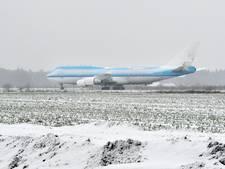 Uniek plaatje in Twente: een ondergesneeuwde mega-Boeing