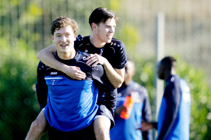 Sam Lammers en Mitchell van Bergen bij sc Heerenveen.