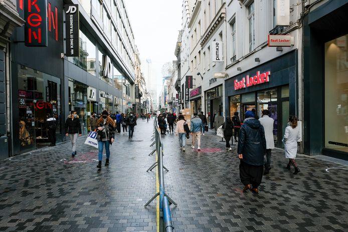 Voor de middag was het in de Nieuwstraat nog vrij rustig.