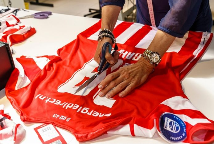 PSV-shirts worden in de toekomst gebruikt in het ziekenhuis.