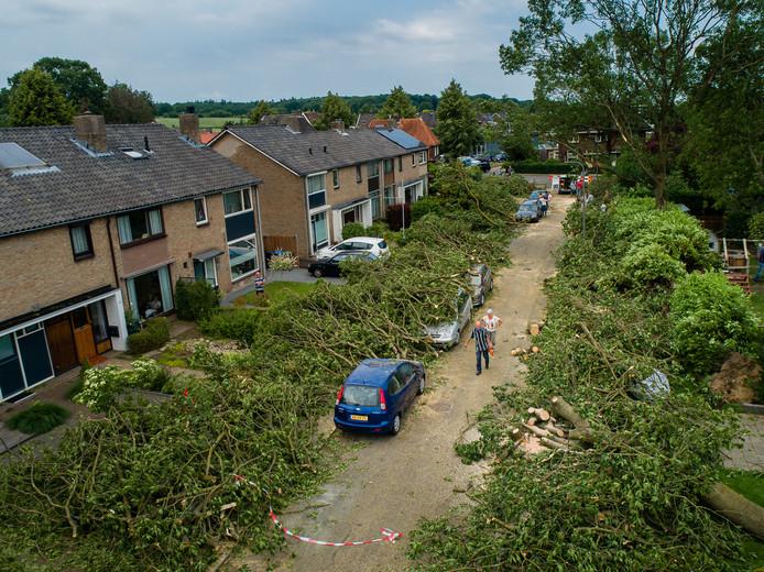 De Del in Rheden werd zwaar getroffen door de tornado.