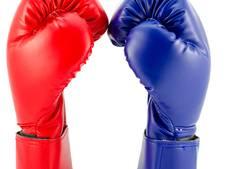 De 'staredown' tussen de boksende directeuren van RKC en Willem II