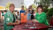 Schrijfster Ruth Verstraeten lanceert tweede boek 'De Kindervleesfabriek' met pensenkermis in tuin bibliotheek