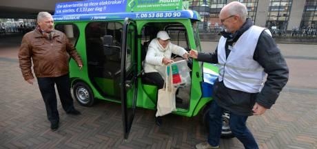 Corona zet ook de Houtense golfkarretjes stil, chauffeur én klanten voelen zich niet veilig