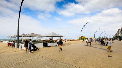 Moderne Zeedijk met beachbars