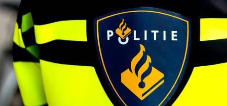 Twee mannen gewond bij steekpartij na verkeersruzie op de Zwart Janstraat, verdachte aangehouden