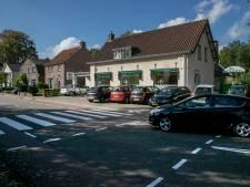 Verkeersoverlast in Waalre: minutenlang wachten voor het zebrapad