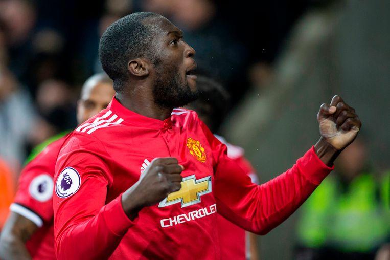 Romelu Lukaku viert zijn (voorlopig) laatste doelpunt van 2017, tegen Leicester City. Op 30 december kan hij zijn cijfers nog omhoog trekken tegen Southampton.