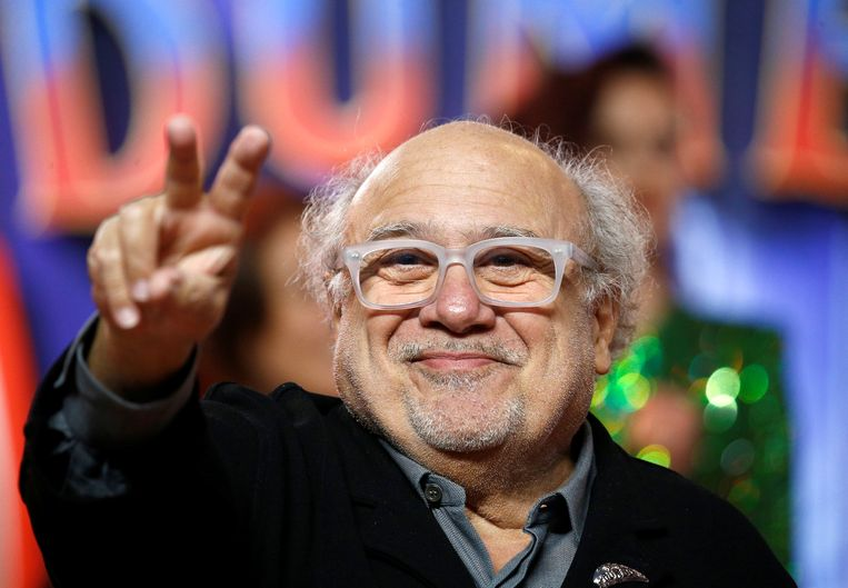 Danny DeVito steunt Bernie Sanders.