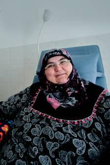Ayse Tekin is een van de eerste nierpatiënten in regio die thuis dialyseert