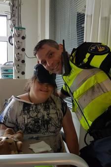 Hartverwarmend: wijkagent laat droom ernstig zieke Priscilla (17) uitkomen