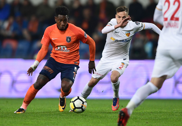 Eljero Elia in actie namens Medipol Basaksehir in april 2018.