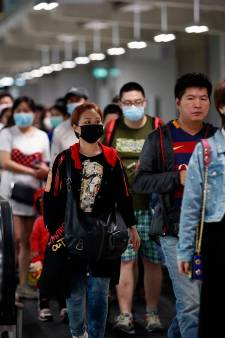 La Chine suspend les voyages organisés, les bus à l'arrêt à Pékin