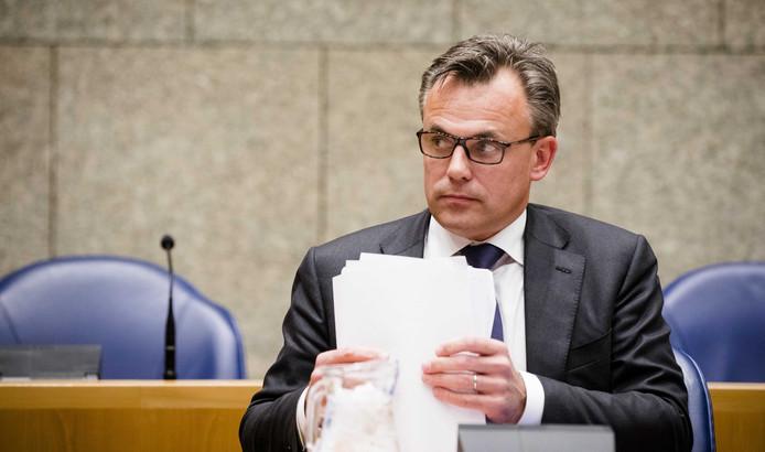 2019-01-22 15:03:27 DEN HAAG - Staatssecretaris Mark Harbers van Justitie en Veiligheid (VVD) tijdens het wekelijkse vragenuur in de Tweede Kamer. ANP BART MAAT