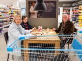 Tonny (81) uit Borne helpt andere ouderen bij het halen van boodschappen
