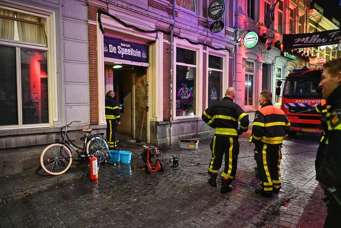 Brand bij café De Speeltuin in Breda.