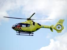 Fietser zwaargewond bij ernstig ongeval met vrachtwagen in Zwaagdijk-Oost