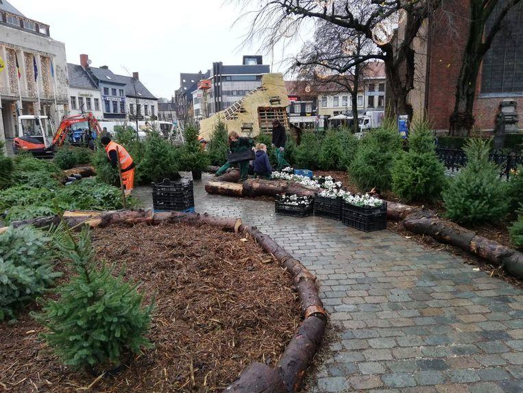 De opbouw van de Wintertuin op de Grote Markt in Turnhout