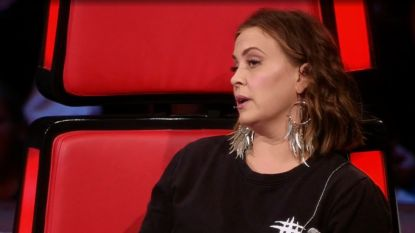 "Anouk reageert na kritiek op harde commentaar in The Voice of Holland: ""Zeurende hoeren"""