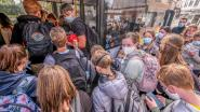 """Minder passagiers, en toch zitten bussen overvol: """"Zo erg dat zelfs de deuren niet meer sloten"""""""