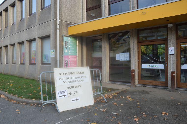 De stembureaus in de Heilige Harten-basisschool.