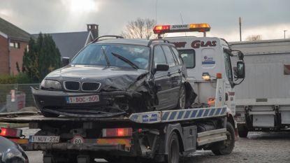 Twee lichtgewonden bij aanrijding met drie wagens op Zuidlaan