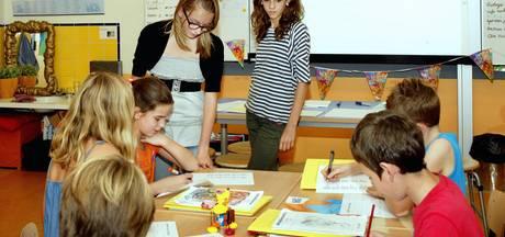 Tweetalige brugklassers Elde College geven gastlessen